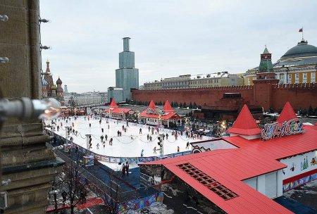 Павильоны катка на Красной площади